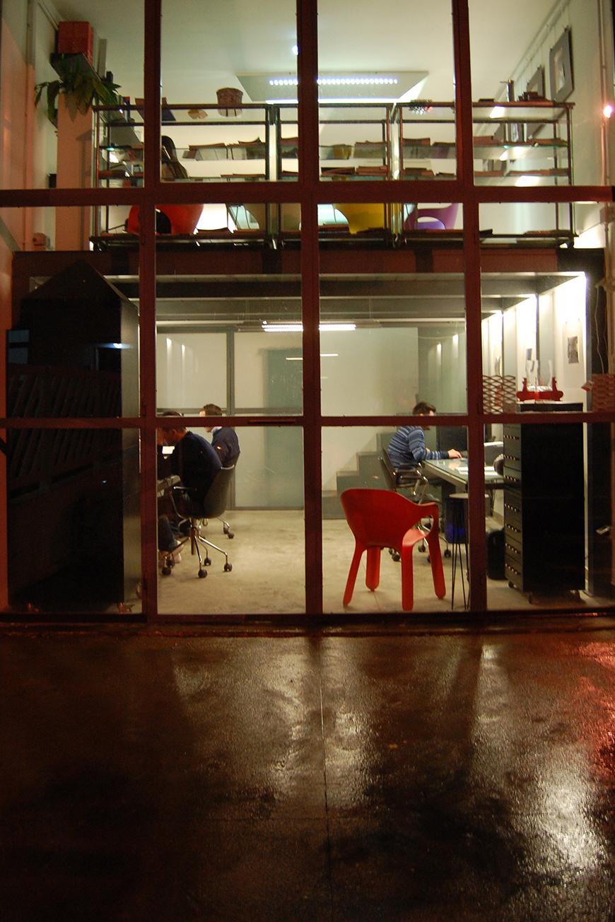 Studio Talent:: Sede della TALENTITALIA nella zona artigianale di Ostuni (con M. Macciocchi).