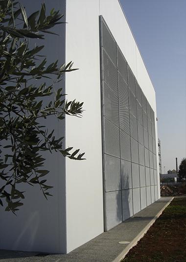 Studio Talent:Capannone industriale sede di un'azienda per la lavorazione di metalli sita nell'agglomerato industriale di Ostuni (con M. Macciocchi).