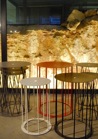 Studio Talent: Nel 2002 nasce la TALENT ITALIA dalla collaborazione tra Maurizio Macciocchi e Cosimo Cardone sviluppando progetti e soluzioni nell'interior design. Gli oggetti proposti vogliono porsi, nella loro semplicità, al di là delle mode, valorizzando tra design e artigianato, tra serie pezzo unico, creando ambienti validi in ogni tempo.