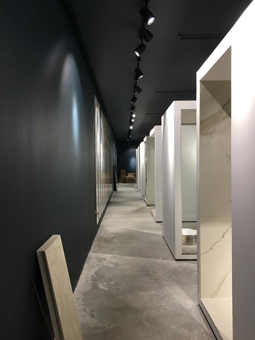 Intervento di interior design per l'allestimento di uno show room in Bahrain.