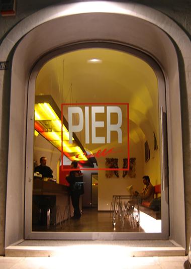 """Studio Talent: Realizzazione di un """"american bar"""" nel centro storico di Cisternino (con m. Macciocchi)."""