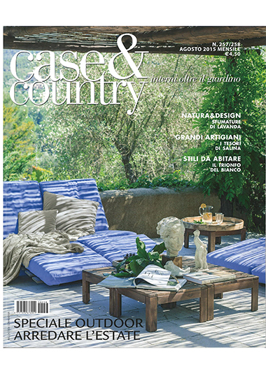 CASE & COUNTRY - Vestita di bianco, pp. 50-59, agosto 2015
