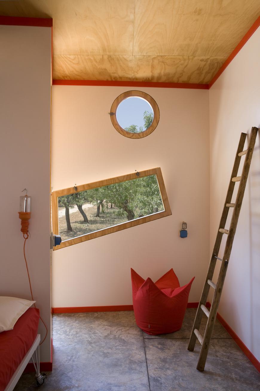 Studio Talent:Singolare intervento nella campagna di Carovigno. Tra arte ed architettura Gaetano Pesce e Gabriele Pimpini hanno ideato una insolita residenza (con G. Pesce e G. Pimpini).